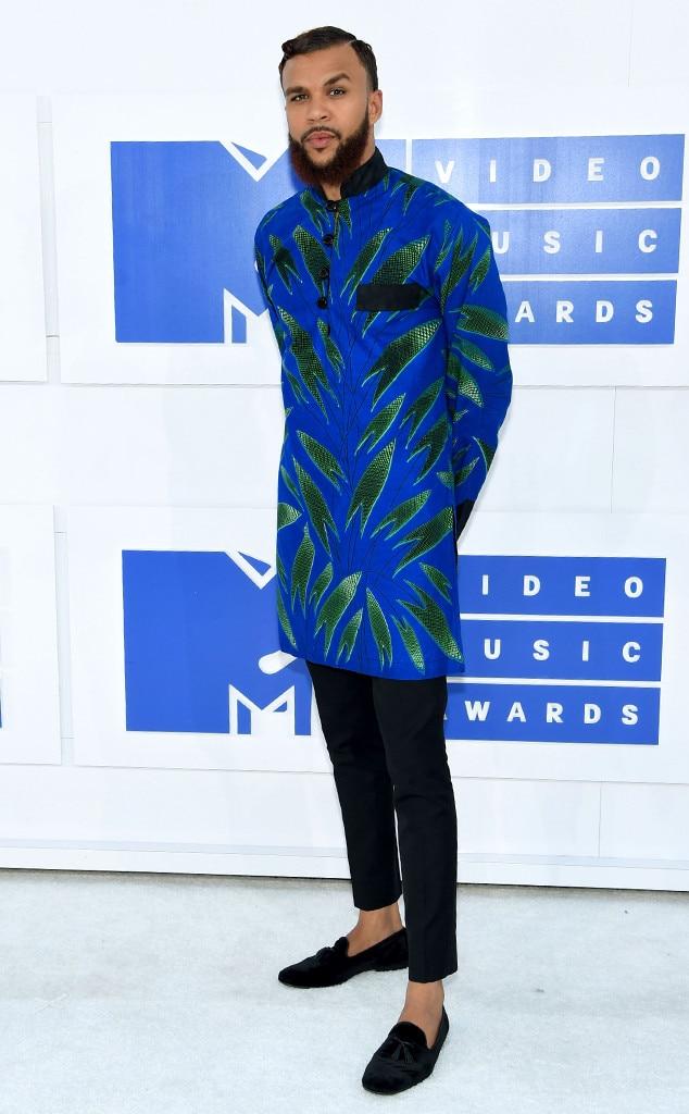 jidenna from mtv video music awards 2016 red carpet