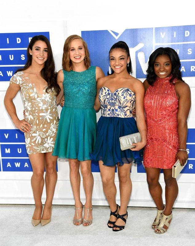 Aly Raisman, Madison Kocian, Laurie Hernandez, Simone Biles, 2016 MTV VMAs