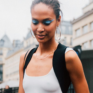 ESC: Blue Eyeliner, Joan Smalls