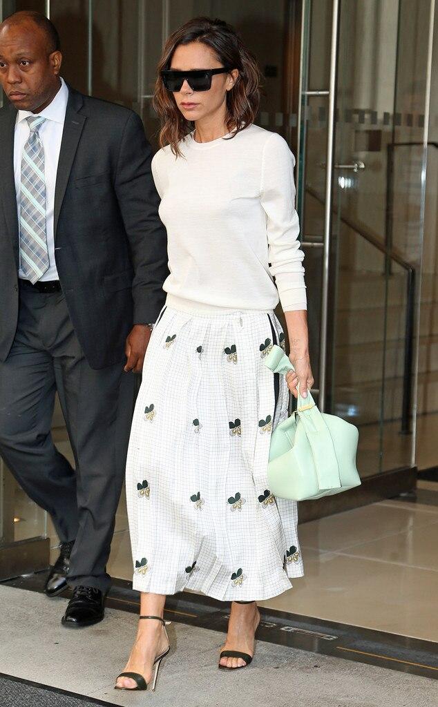 Pregnant celebrities fashion style 62