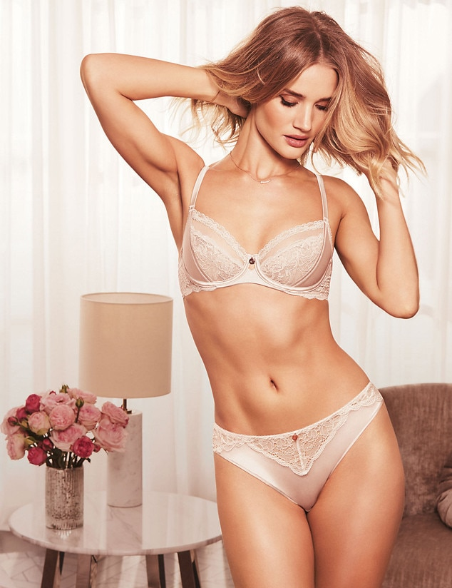 ESC: Model Lingerie, Rosie Huntington-Whiteley