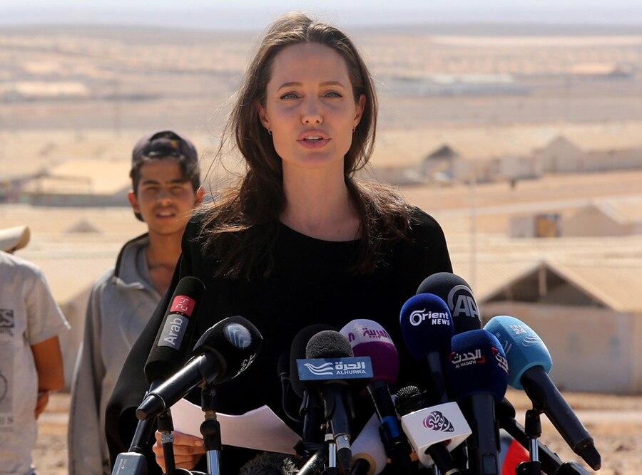 Angelina Jolie, Timeline, 9.9.2016