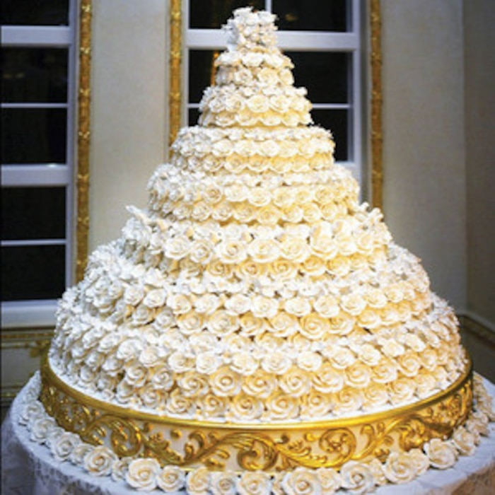 4 Wedding Cakes That Broke The Bank: The Most Expensive Celebrity Weddings By The Numbers: From