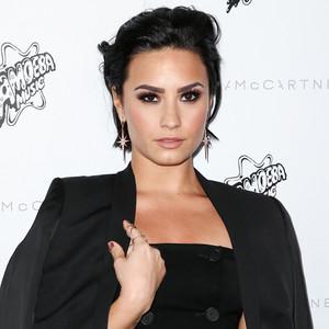 ESC: Demi Lovato, Nails