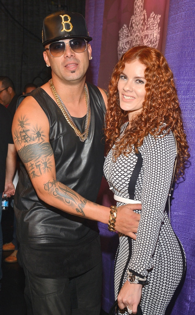 Pictures of wisin and his wife - god of war 3 garras de hades pictures