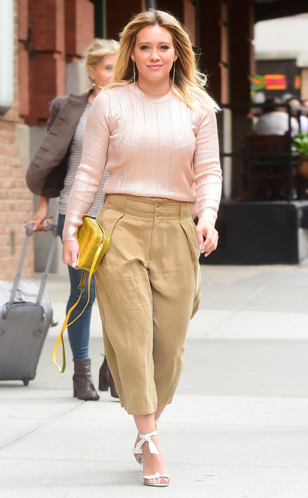 ESC: Hilary Duff, Sweater
