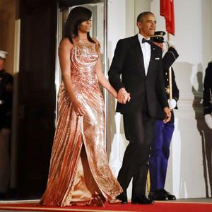 Michelle Obama S Stunning Atelier Versace Dress Marks A