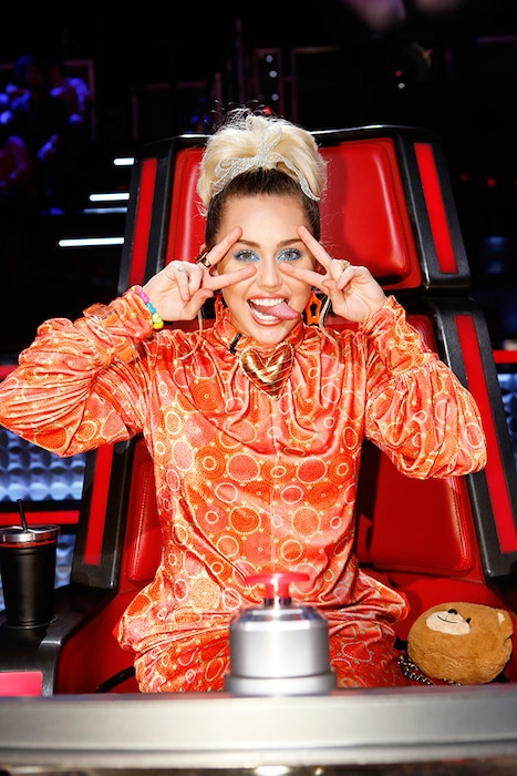 Miley Cyrus, The Voice, Tongues