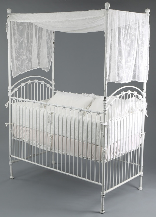 Twilight Movie Prop Items for Auction, Renesmee's Crib