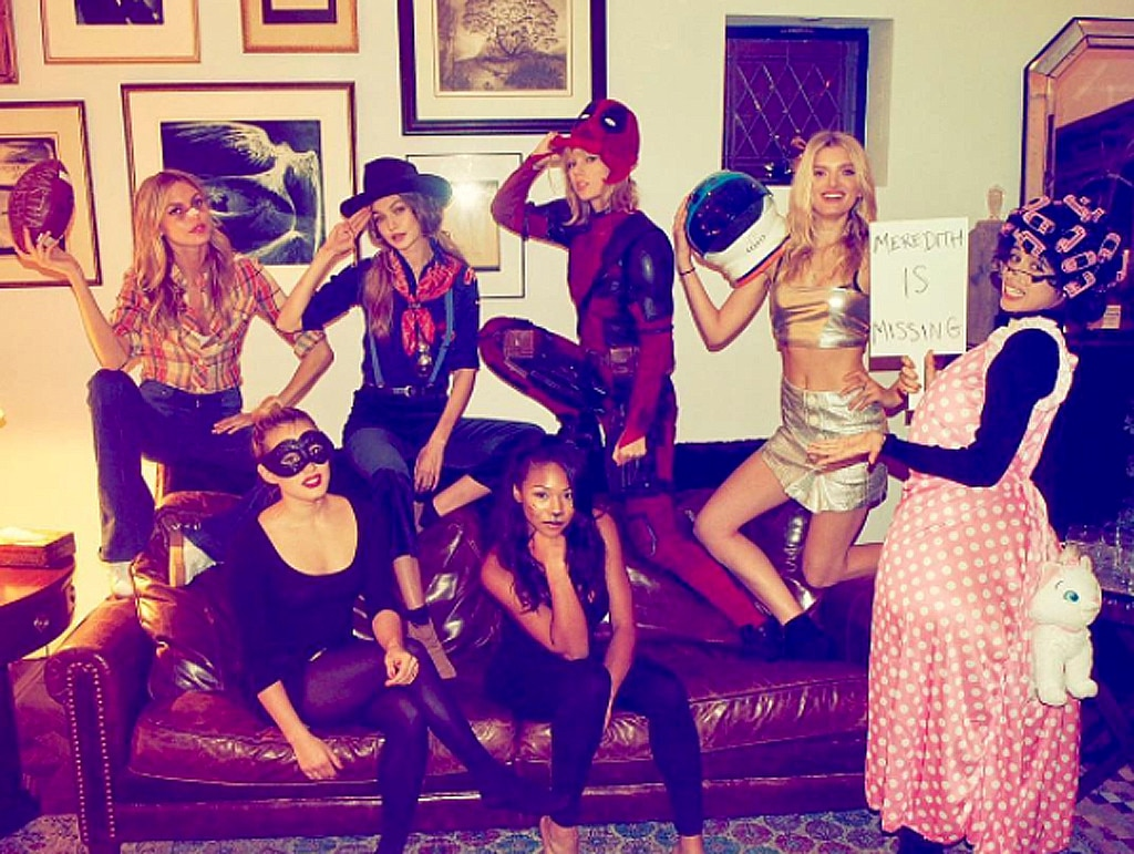 Taylor Swift, Halloween, Instagram