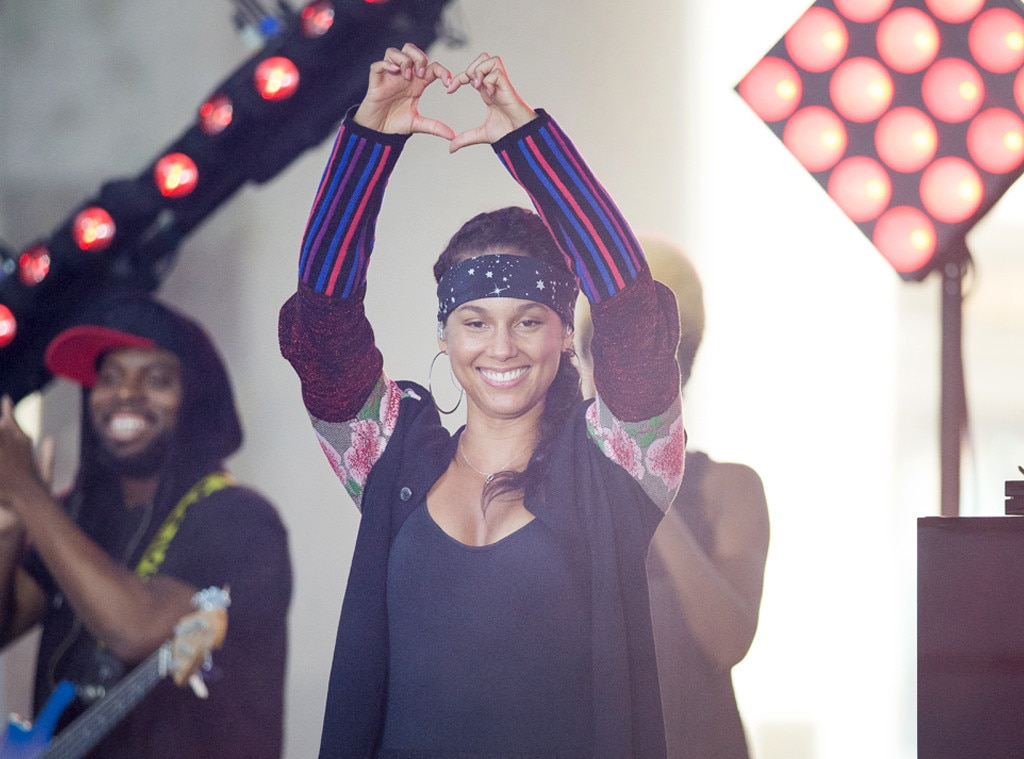 ESC: Alicia Keys Makeup Free