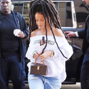 ESC: Sneakers, Rihanna