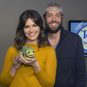 Who is mandy moore dating wdw