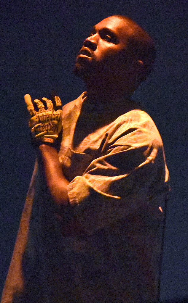 Kanye West, Saint Pablo, Chicago
