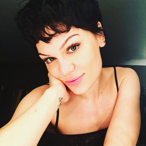 ESC: Jessie J, Beauty Beat