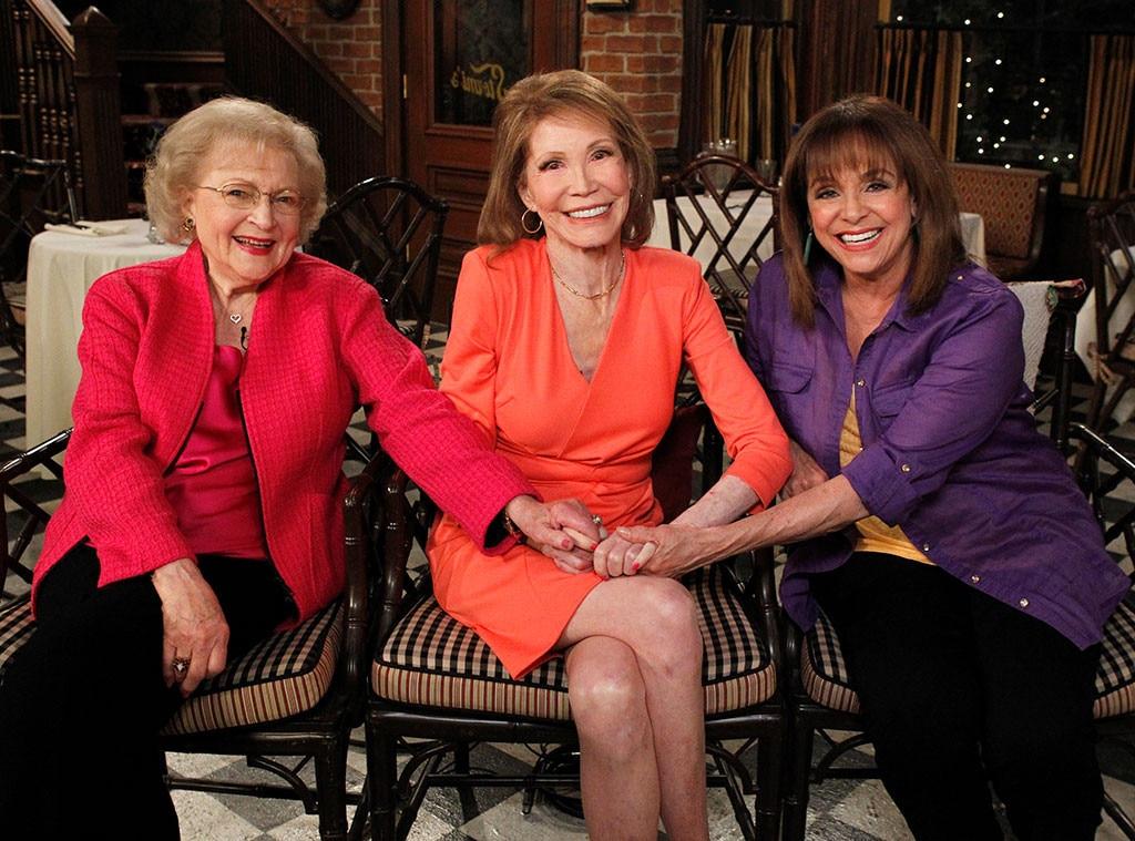 Betty White, Mary Tyler Moore, Valerie Harper, Hot in Cleveland