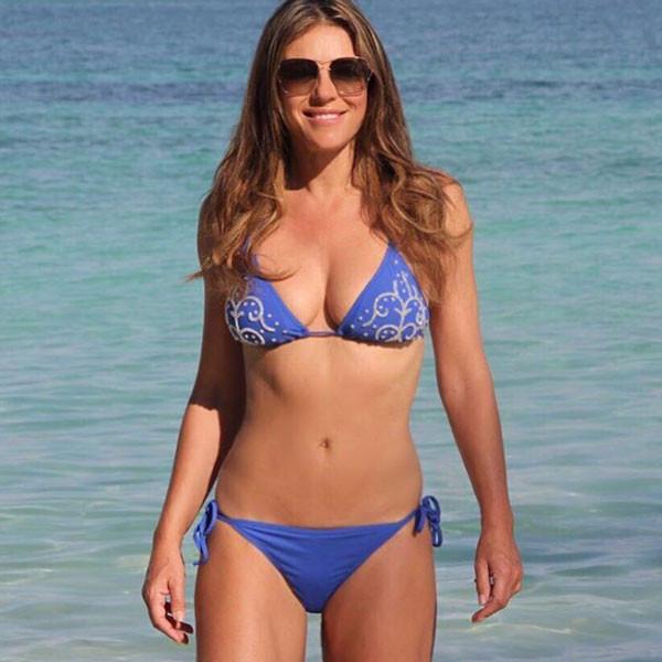 Elizabeth Hurley's Hottest Bikini Pics