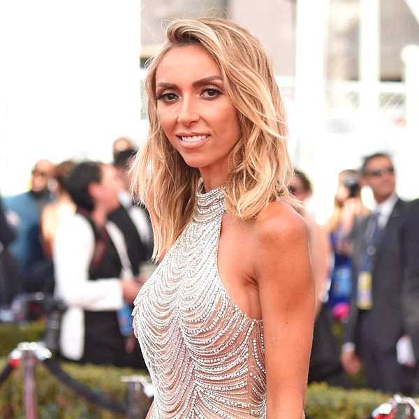sag awards 2017 all the details on giuliana rancic s sparkly encordia solitaire ring - Giuliana Rancic Wedding Ring