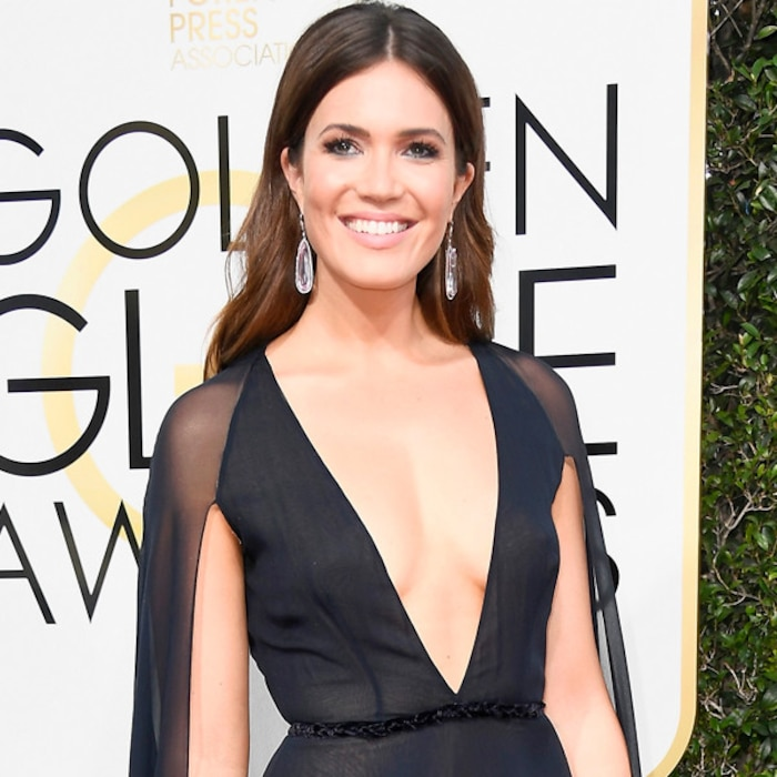 Fashion Police Can T Stop Gushing Over Mandy Moore S Plunging Neckline On Golden Globes 2017 Special Give Us E News Uk
