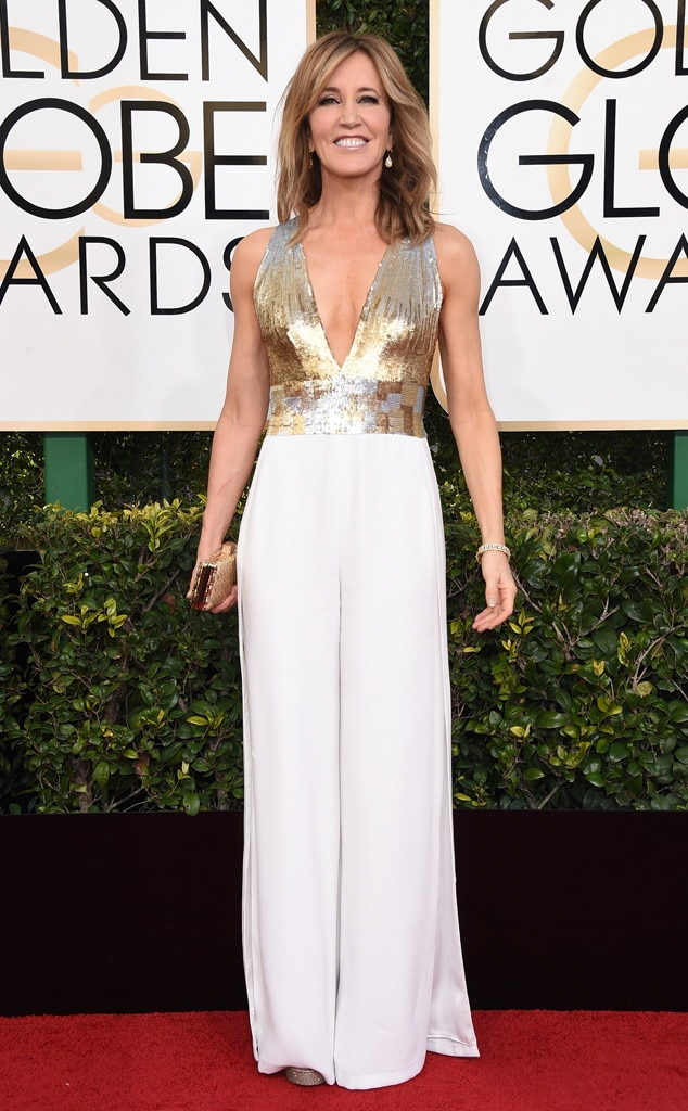 2017 Golden Globes Red Carpet Arrivals Felicity Huffman, 2017 Golden Globes, Arrivals