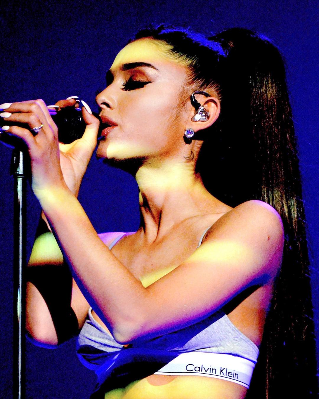 ESC: Ariana Grande