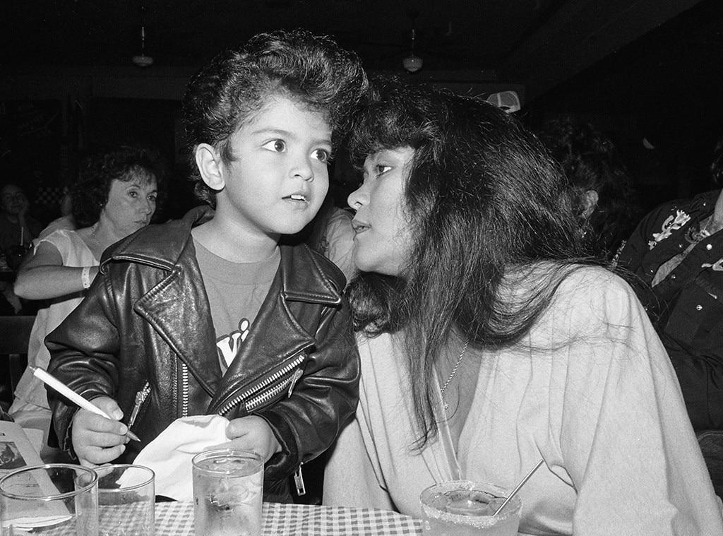 Bruno Mars, Mother, Bernadette Hernandez