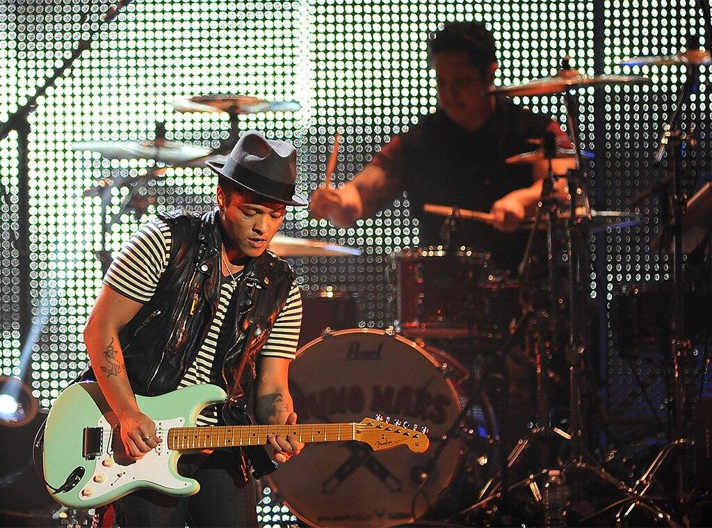 Bruno Mars, The Hooligans