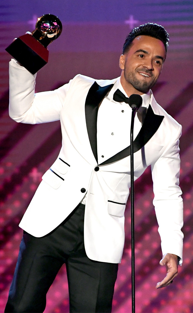 Luis Fonsi, 2017 Latin Grammy Awards
