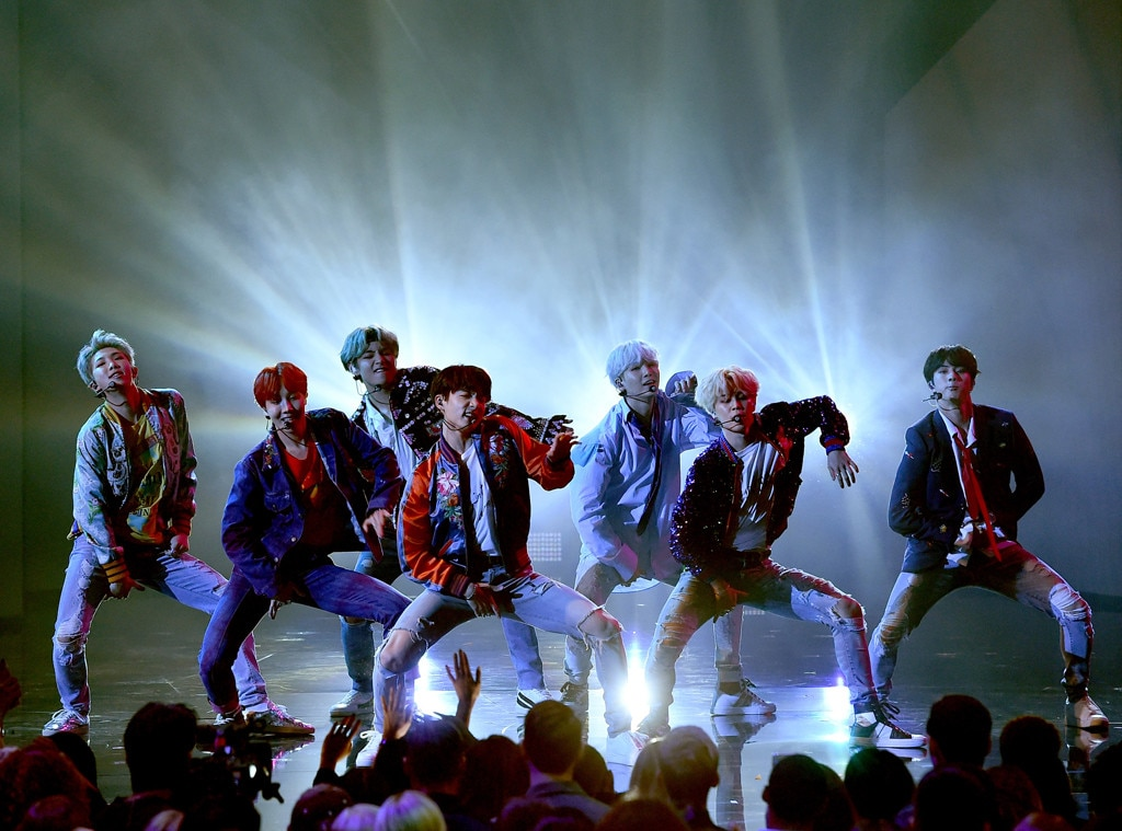 Bts Brings Down The House With History Making 2017