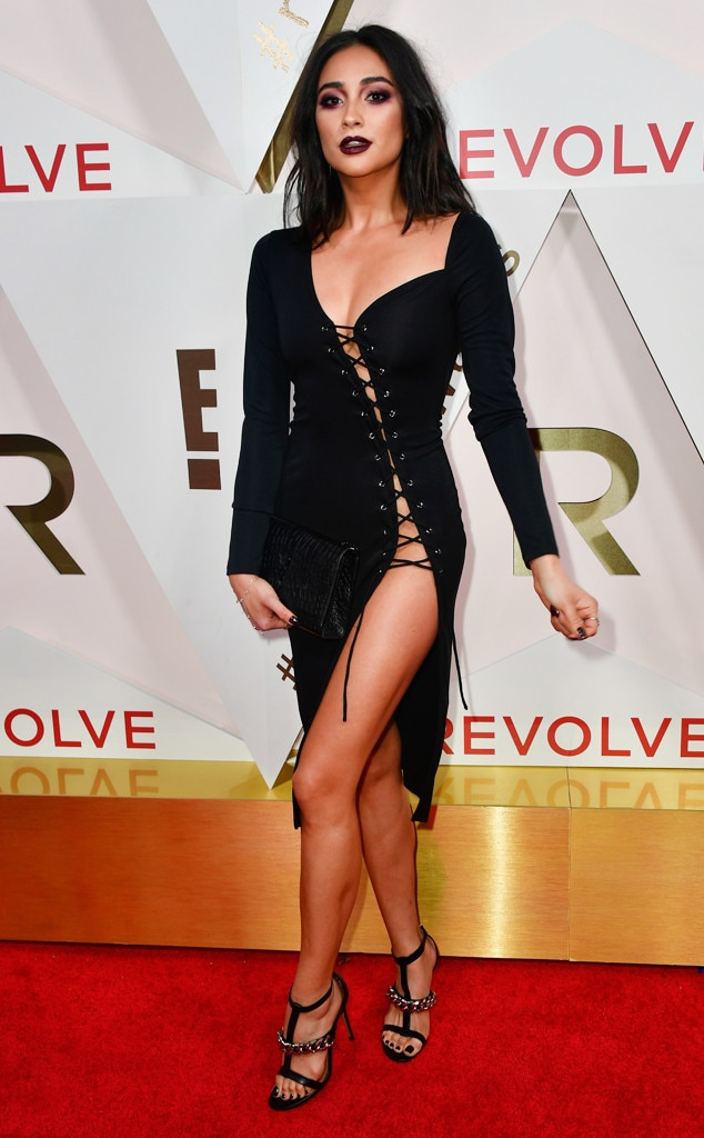 ESC: Revolve Awards, Shay Mitchell