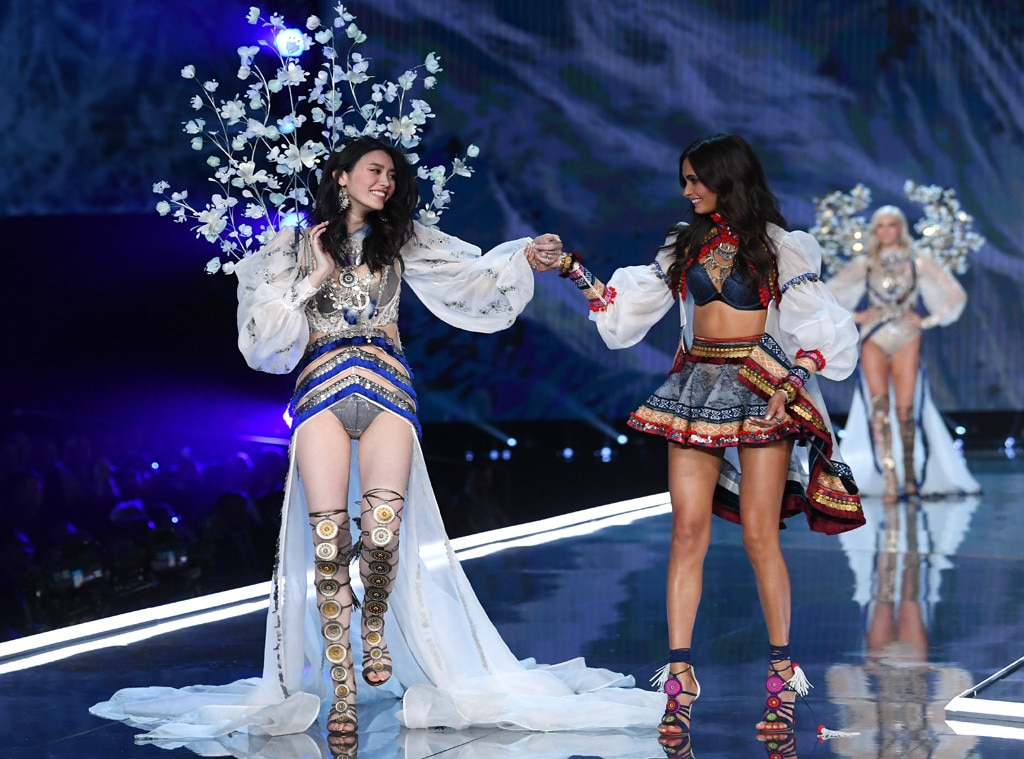 2017 Victorias Secret Fashion Show, Ming Xi, Fall, Gizele Oliveira