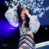 2017 Victoria's Secret Fashion Show, Ming Xi, Fall