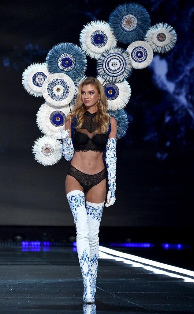 2017 Victoria's Secret Fashion Show, Stella Maxwell
