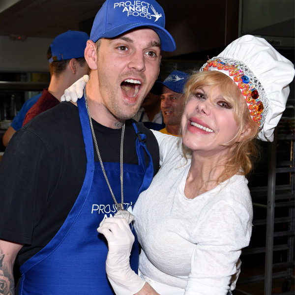 Aaron Carter, Charo, Thanksgiving