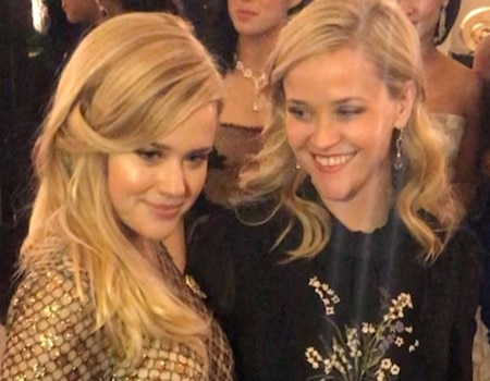 Reese Witherspoon S Daughter Ava Phillippe Wows In Paris