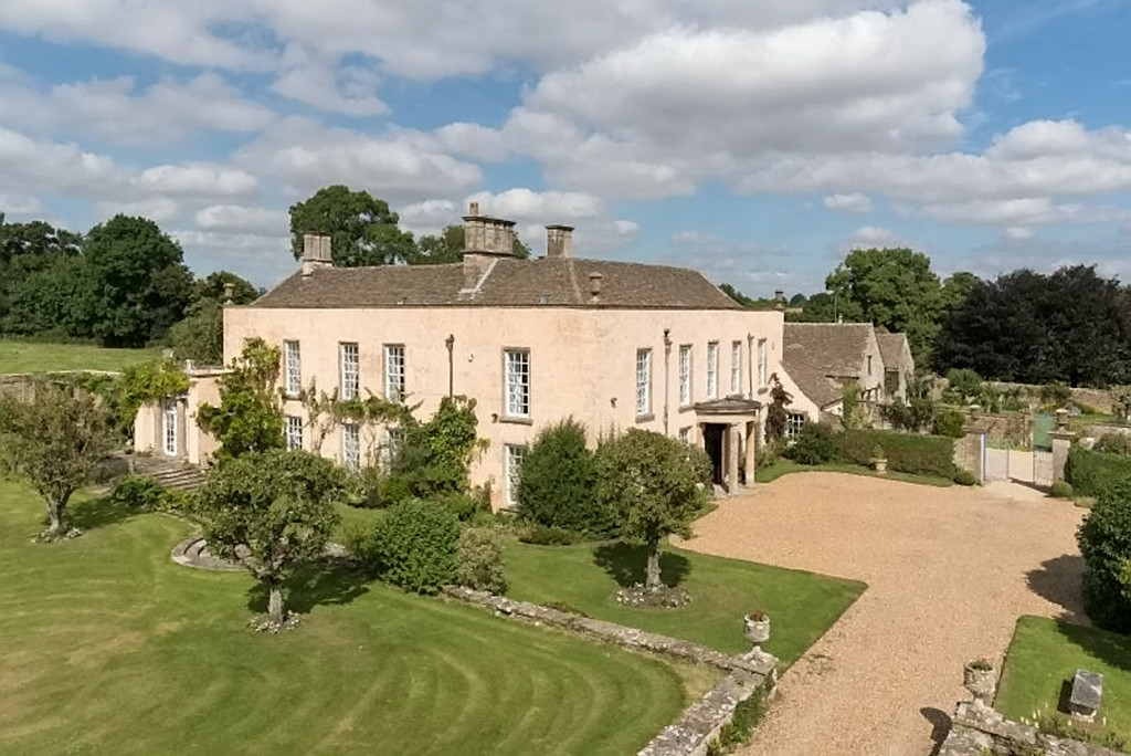 This English Mansion With Tv Ties Could Be Prince Harry