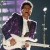 Bruno Mars, 2017 Grammys
