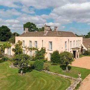 Prince Harry, Meghan Markle, Luckington Court, Cotswolds