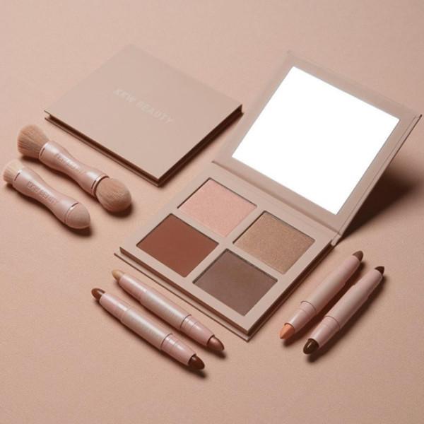 ESC: Instagram Beauty Flatlay