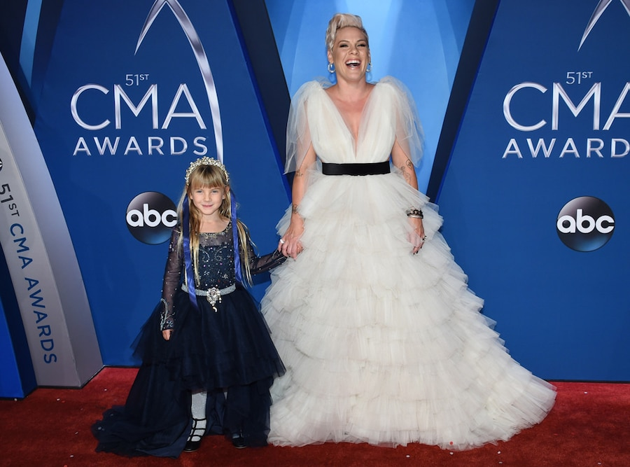 Pink, Willow, 2017 CMA Awards