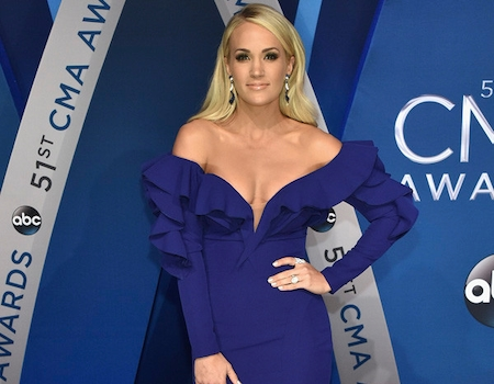 Carrie underwood pays tribute to las vegas massacre Carrie underwood softly and tenderly
