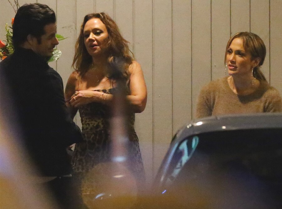 Jennifer Lopez, Leah Remini, Casper Smart