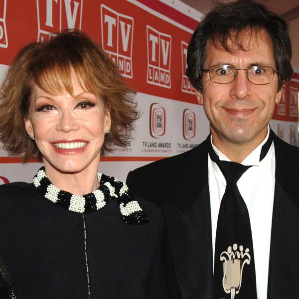 Mary Tyler Moore, Robert Levine