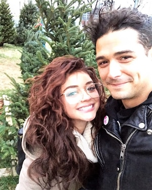 Sarah Hyland, Wells Adams, Christmas Tree