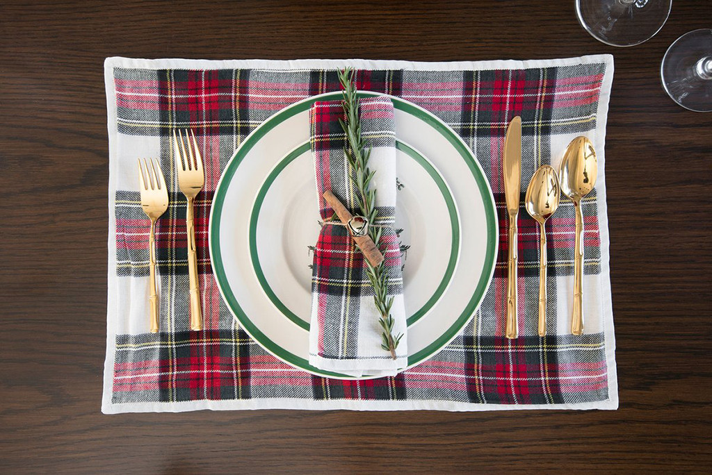 Kourtney Kardashian Christmas Table Setting DO NOT USE