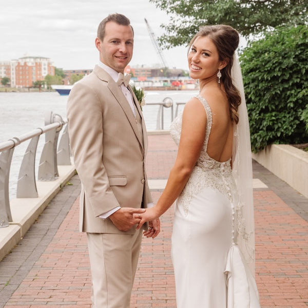 http://akns-images.eonline.com/eol_images/Entire_Site/20171115/rs_600x600-171215130715-Married-at-First-Sight-Couples-Thumb.jpg