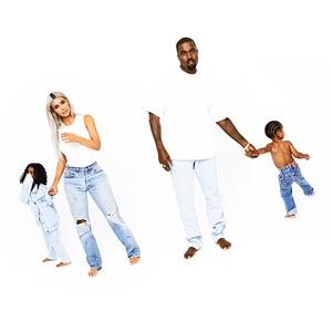 2017 Kardashian Christmas Card, Kim Kardashian, Kanye West, North West, Saint West, Day 16