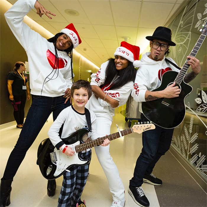 Ciara, Kelly Rowland, Seattle Children's Hospital, Christmas, 2017