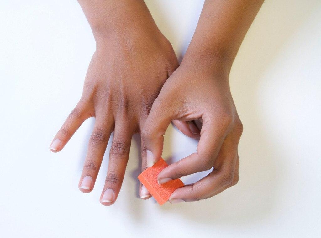 ESC: E!ssentials, Manicure, 2