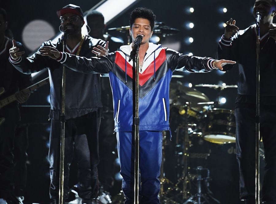 Bruno Mars, 2017 Grammys, Show, Performance